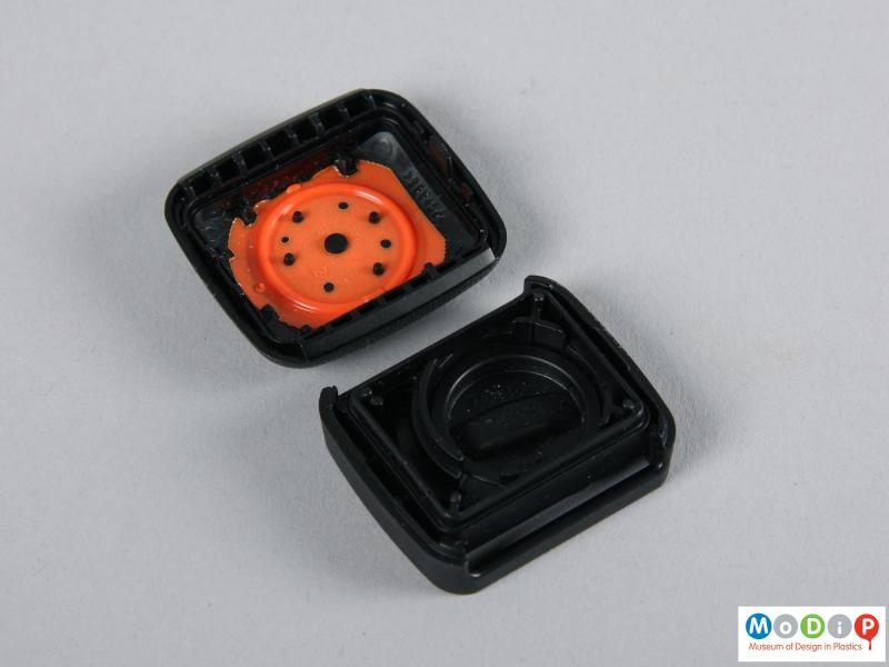 Top view of a tracker showing the inner surfaces.