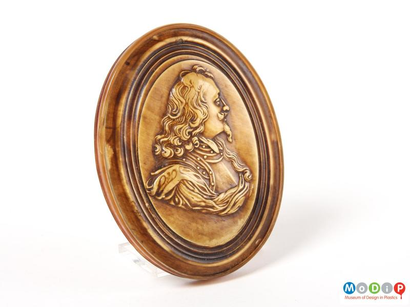 Top view of a snuff box showing the lid.