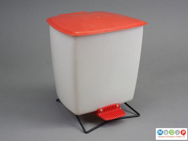 Front view of a bin showing the lid closed.