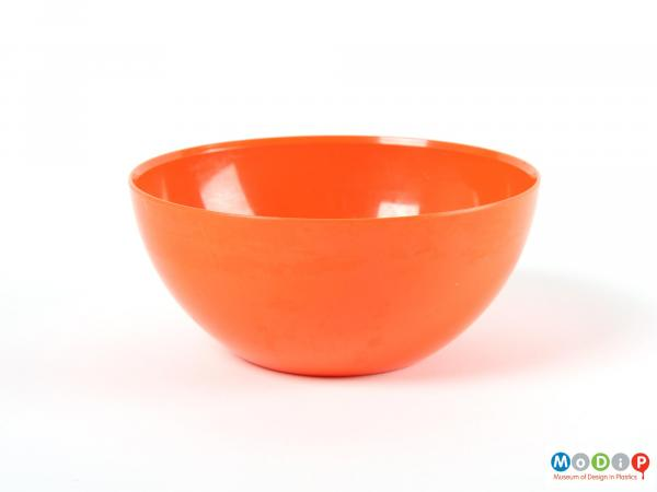 Side view of a bowl showing the curved sides.